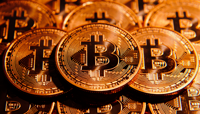 El Oro se consolida y el Bitcoin recibe golpe