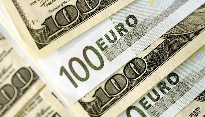El euro se fortalece después de la venta de dólares