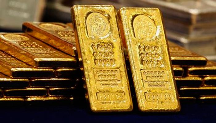 Oro se recupera gracias al alza de tasas
